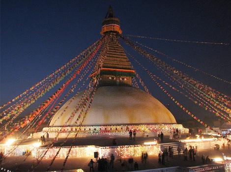 博达哈大佛塔位于尼泊尔